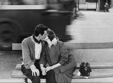 Si dice che il primo non si scorda mai ed anche che sia tutto: il bacio